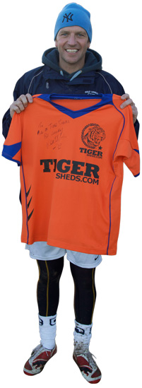Lee Sharpe Shows Us His TigerSheds Shirt